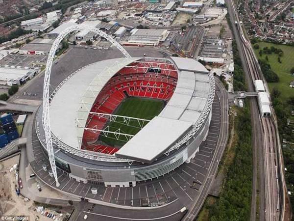 Kích thước sân bóng đá Ngoại Hạng Anh ít người biết