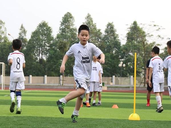 Kỹ thuật đá bóng cơ bản cho người mới bắt đầu chơi